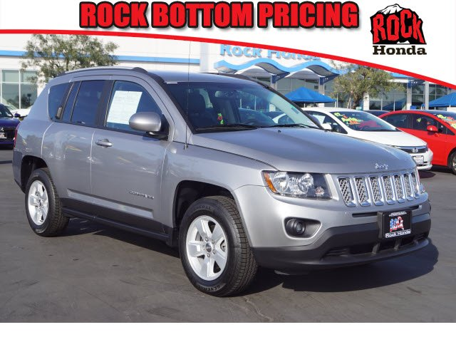 Used 2017 Jeep Compass  billet silver metallic clearcoat exterior dark slate gray interior 6-spee