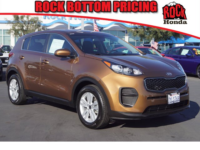Used 2018 Kia Sportage  burnished copper exterior black interior 6-speed automatic wod 37991 m